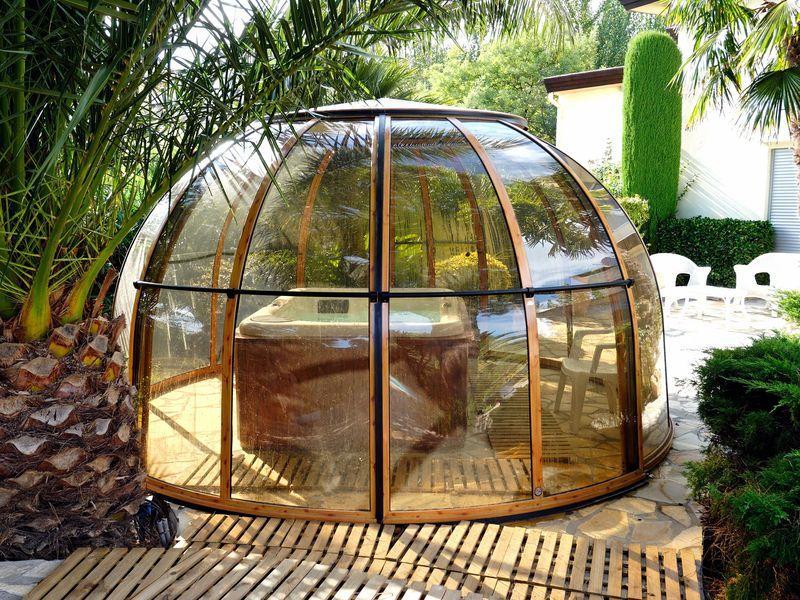 glaspavillon rund drehbar glaspavillon orangerie glashaus zentrum hamburg gartenpavillon. Black Bedroom Furniture Sets. Home Design Ideas